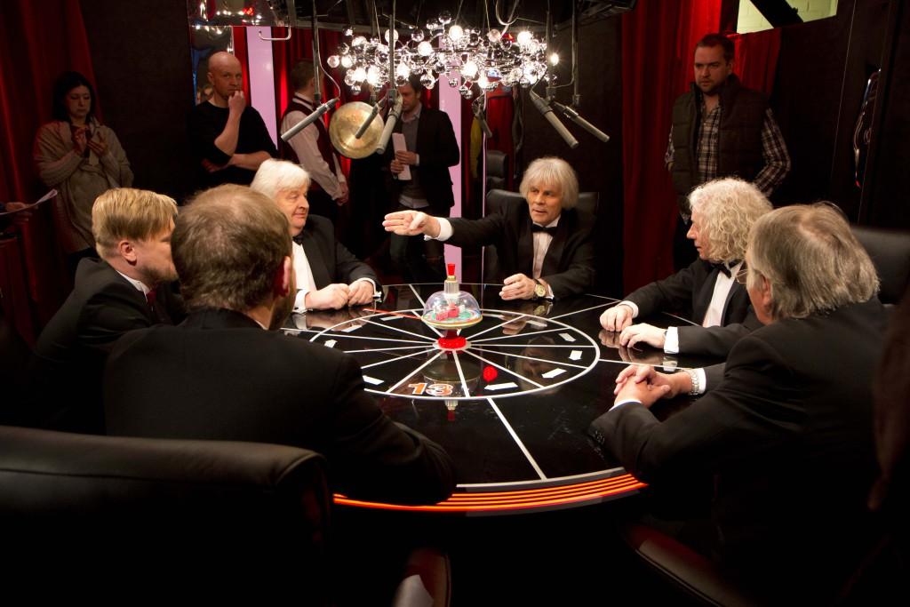 """Juba kell 20 alustab Kanal 2s esimene lahing – Targad Televaatajate vastu, ehk mälumängusaade """"Mis? Kus? Millal?"""""""