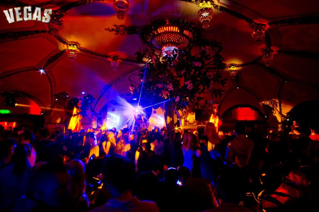 GALERII: Möödunud laupäeval tõi Klubi Teater publikuni tükikese Vegase südamest!