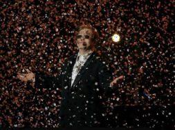 Elton-John-tähistab-Eestis-oma-hiilgava-karjääri-40.-aastapäeva.jpg