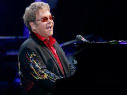 Sir-Elton-John-saatis-presidendipaarile-Tallinna-kontserdi-kutse.jpg