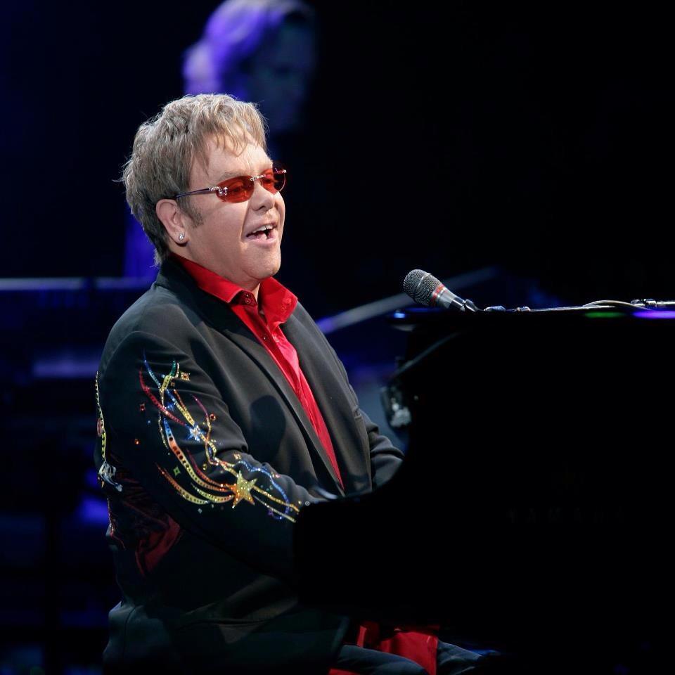 Sir Elton John saatis presidendipaarile Tallinna kontserdi kutse