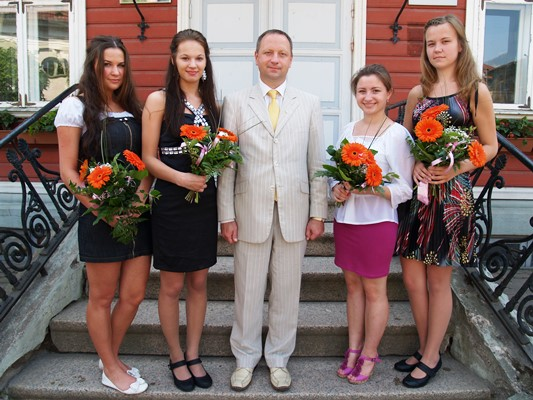 Valga linnapea tunnustuse pälvisid ka muusikakooli lõpetajad