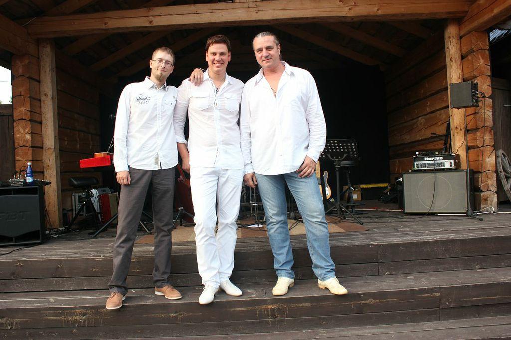 GALERII: Alen Veziko avas suvetuuri Tartu kontserdiga!