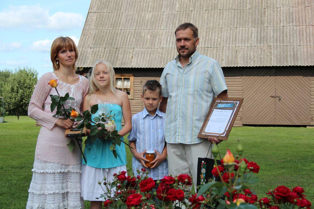 Põlvamaal tunnustati Tiina Länkuri ja Ander Konksu perekonda