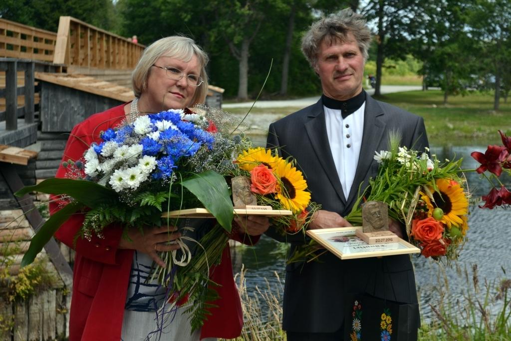 Pärnumaal anti kätte Carl Robert Jakobsoni preemiad