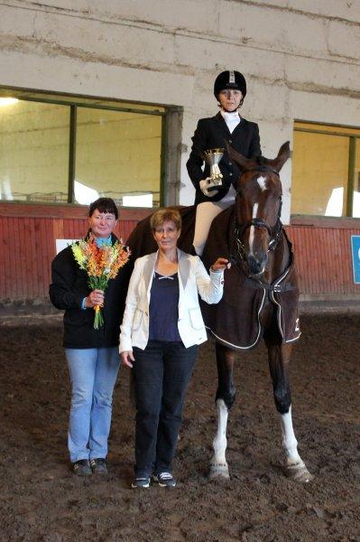 Hobusõbraliku koolisõidu auhinna võitsid sel aastal Liis Liblikmaa ja Chocolate