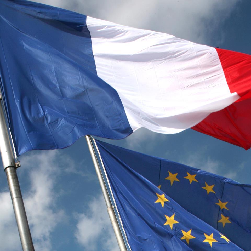 Prantsuse suursaadik tunnustab teenetemärkidega viit eestlast