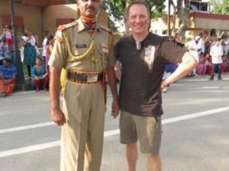 Kaks-kanget-Indias-viimane-India-Pakistani-piiril-1.jpg