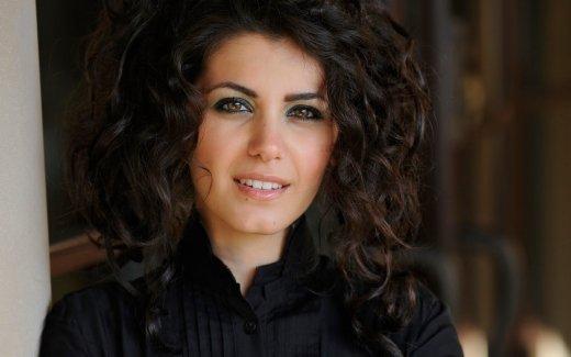 Briti laulja Katie Melua esineb esmakordselt Eestis akustilise kontserdiga