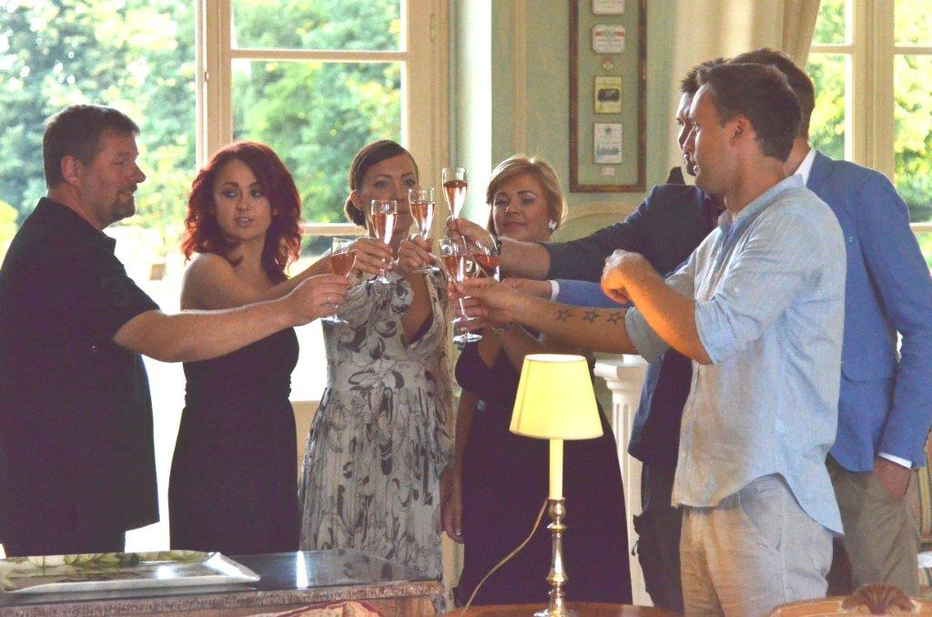 Veinimõisa staarid saadetakse kööki!