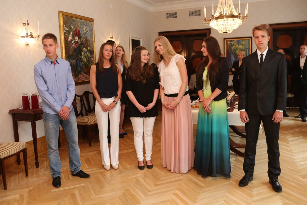 Evelin Ilves tunnustas Kadriorus noori sportlasi