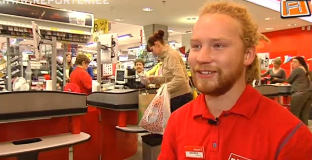 VAATA VIDEOT!  Populaarne Tartu kassapidaja Andres Käosaar liigutab lihtsusega