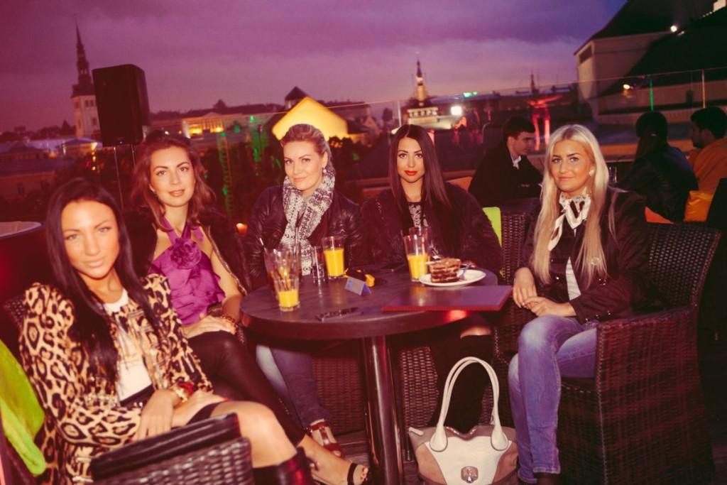 GALERII! Tallinna peosuve avas reedel uus pop-up klubi Rooftop Club
