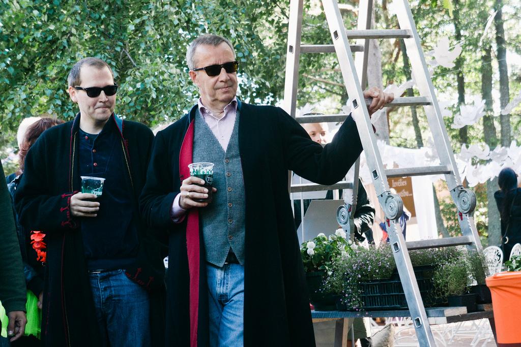 President Toomas Hendrik Ilves külastamas Eesti muusika telki, Positivus 2013 Foto: Rasmus Jurkatam