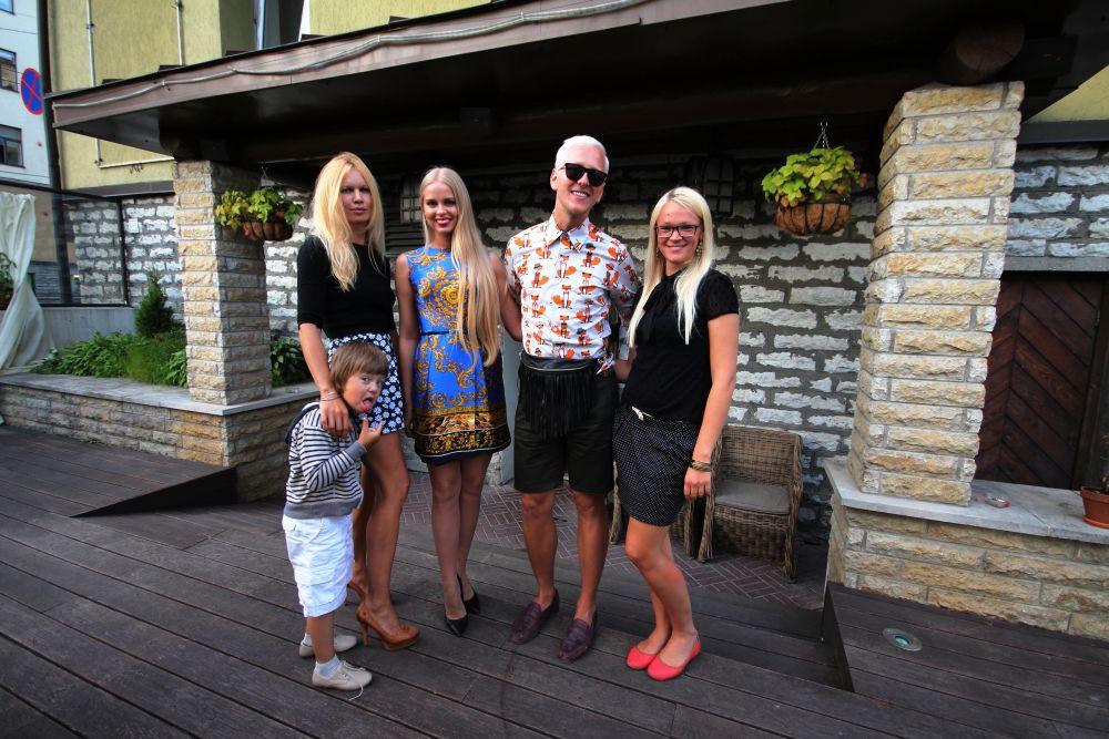 GALERII! STAARIÕHTUSÖÖK! Ženja Fokin sõbrantsidega restoranis Nipernaadi (Täiendatud!)