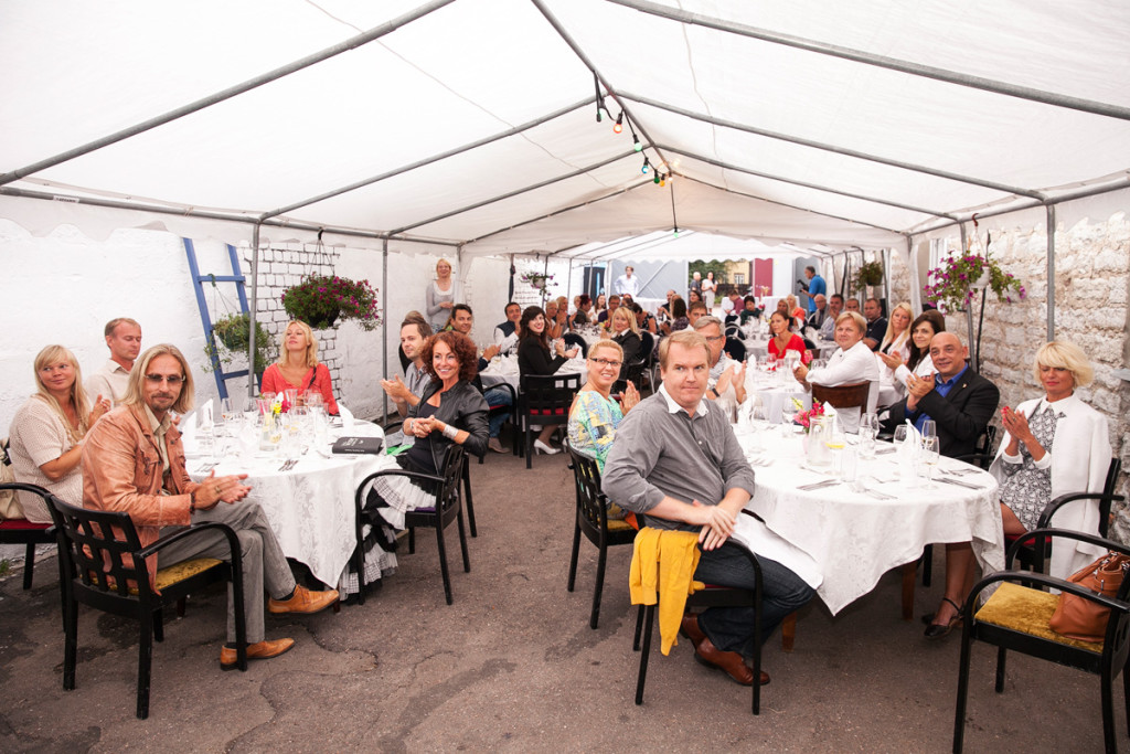 GALERII! Tallinnas avas uksed Vahemere restoran Laterna
