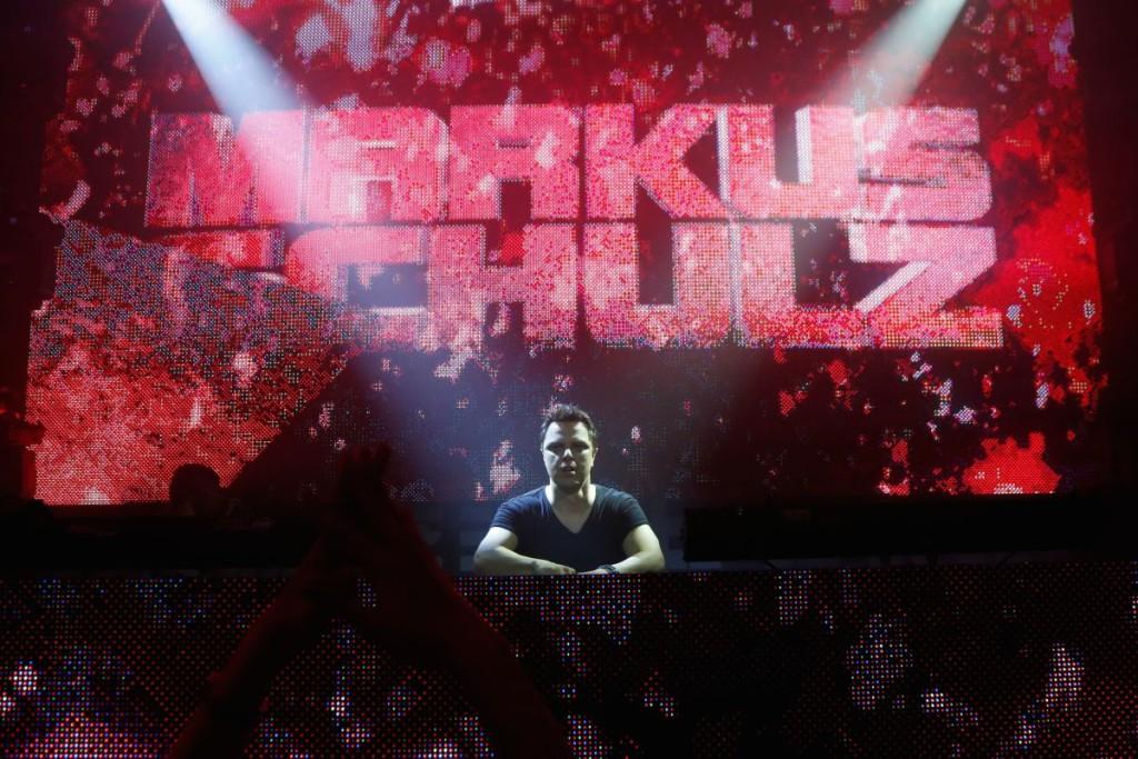 VAATA GALERIID! DJ Markus Schulz ajas klubimuusika fännid pöördesse