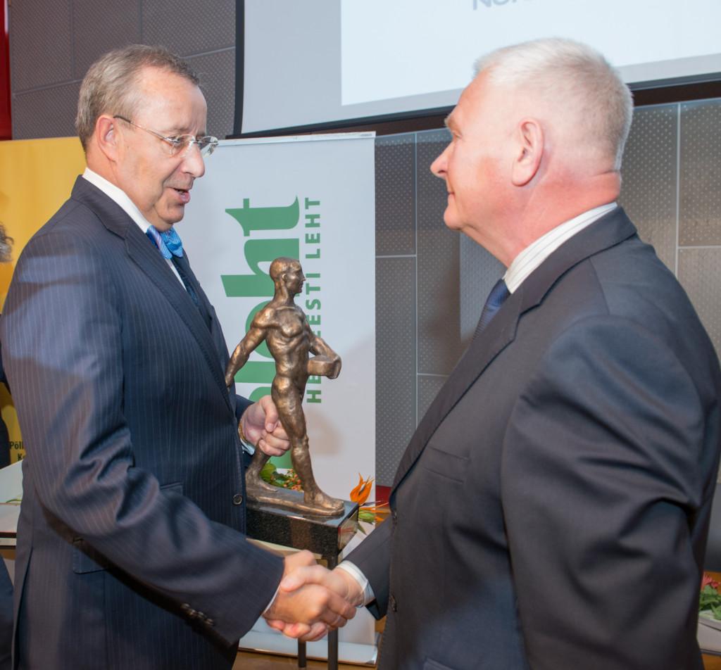 President Ilves õnnitles aasta põllumeheks valitud Ilmar Teevetit