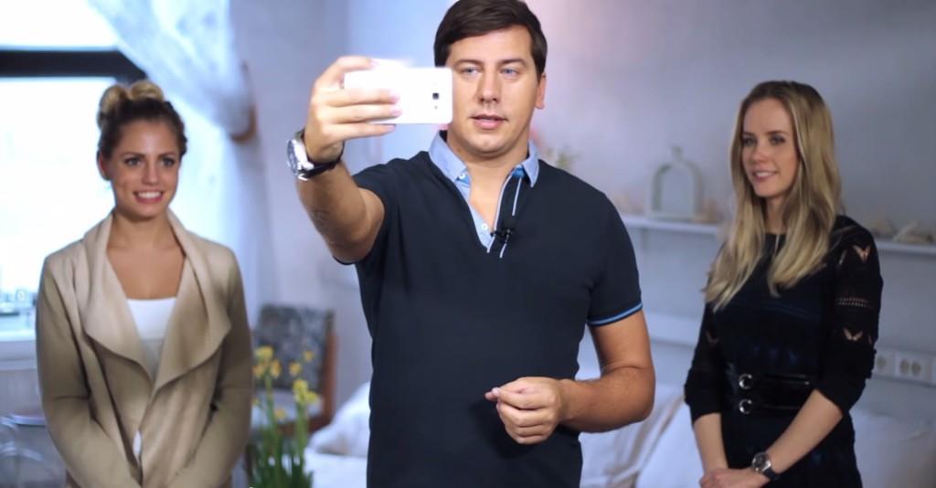 Fotograaf Ardo Kaljuvee näitab uues videos, kuidas sõpradega selfiet teha