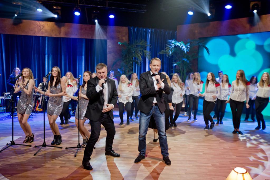 """Nädalalõpp Kanal 2ga"" täna: Maiken õpetas Teedu ja Kristjani laulma!"