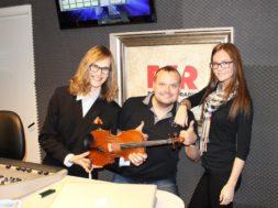 Kannukene-ja-Pabbo-ning-Puusepp_Power-Hit-Radio_24-04-15.jpg