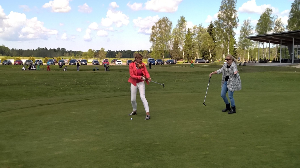 "TÄNA! Golfirubriik TV3 ""Seitsmestes"" viib golfiduellile Anu Saagimi ja Kerli Dello"