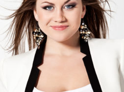 Elina_Born_Eesti-otsib-superstaari_2012-sygis_TV3.jpg