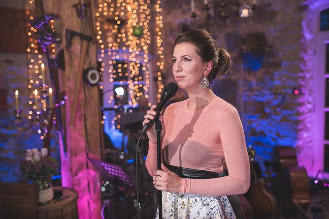 JAAK JOALA AUKS! ELU24! Emotsionaalne etteaste: Maarja-Liis Ilus esitas Jaak Joala venekeelse laulu