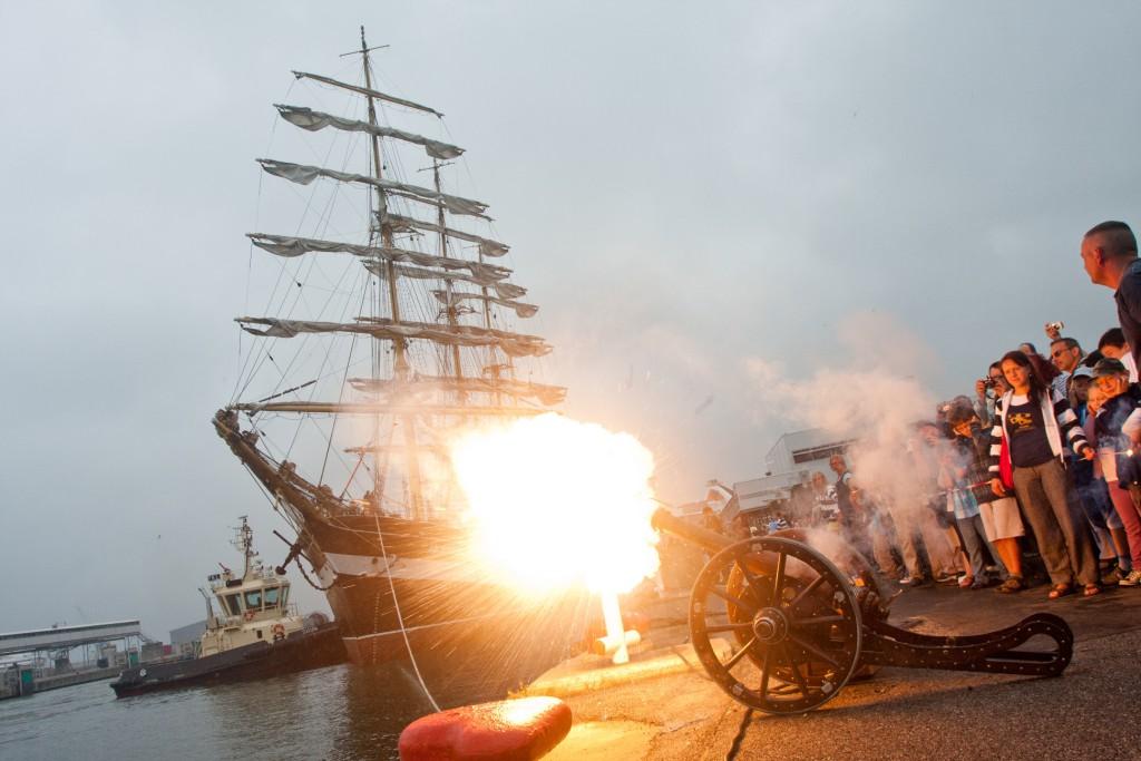 Tallinna Merepäevade raames on oodata uhket paraadi