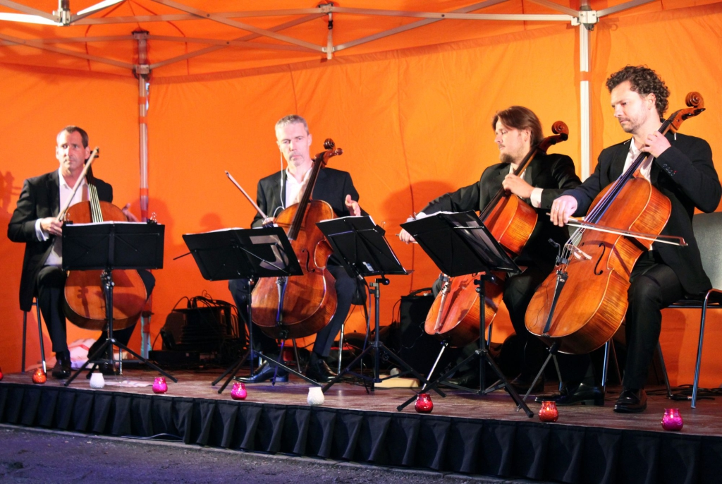 FOTOD! C-JAM SUVETUURIL! Crazy Cellos nelik näitas avakontserdil, et on nime väärt
