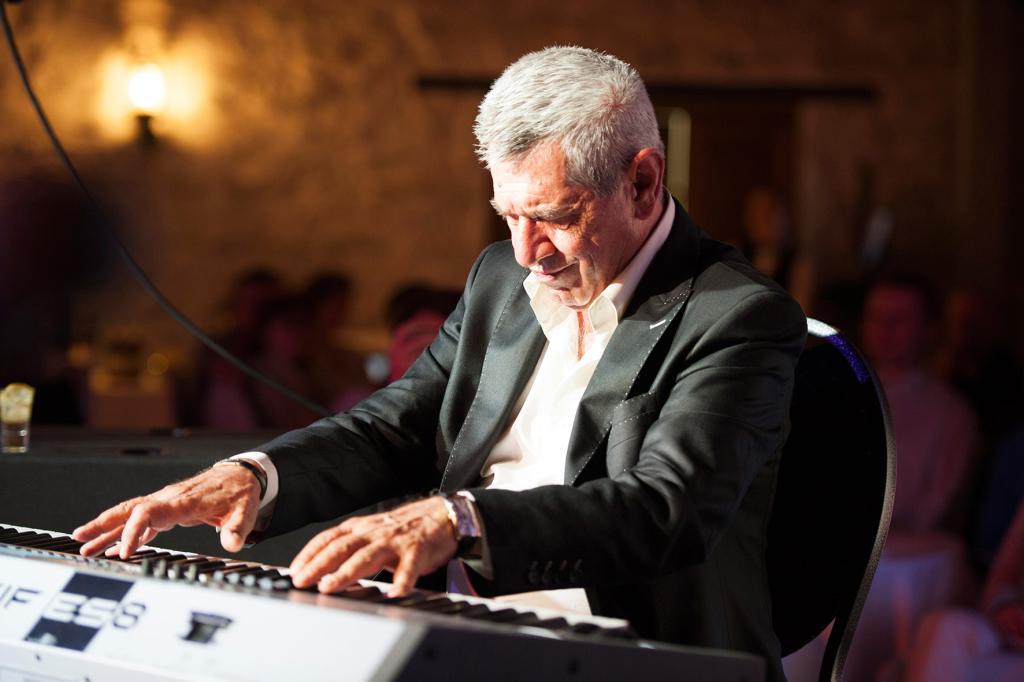 Armeenia jazzilegendi kontserti Eestis väisas glamuurne publik
