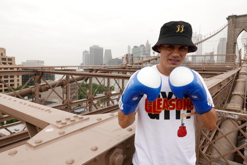 FOTOD OTSE NEW YORGIST! Tänavatantsija Joel Juhti uskumatud treeningseiklused mainekas Gleasoni poksiklubis