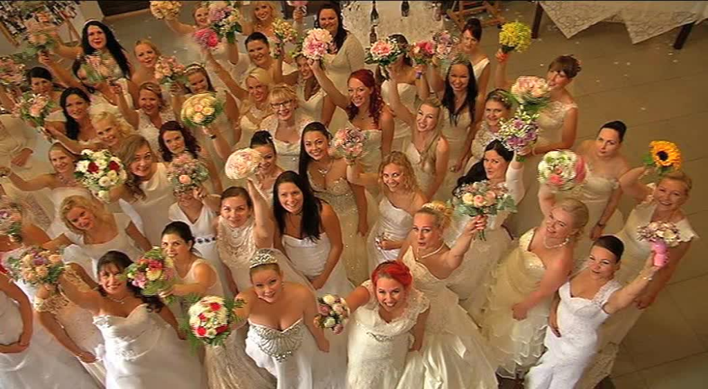 LIIGUTAV TV3 VIDEO! Eesti esimesel pruutide kokkutulekul valati õnnepisaraid ja meenutati elu kaunimat päeva