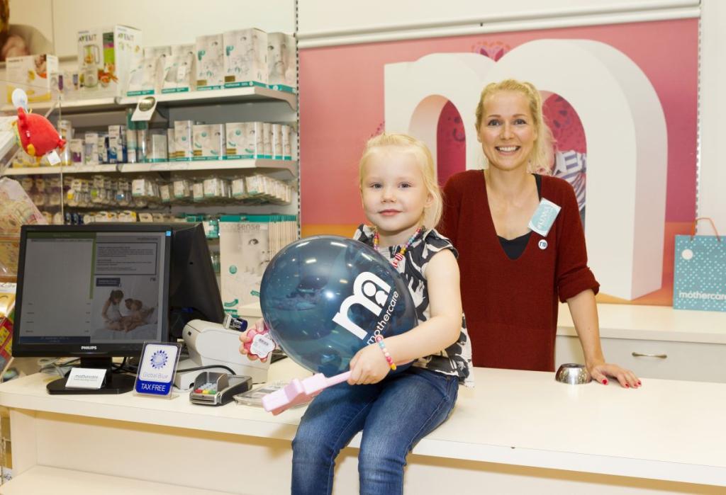VIDEO! Lauljanna Lenna ei kavatse oma tütardele enne seitsmendat eluaastat mobiili anda: õnneks neid ei huvita ka!