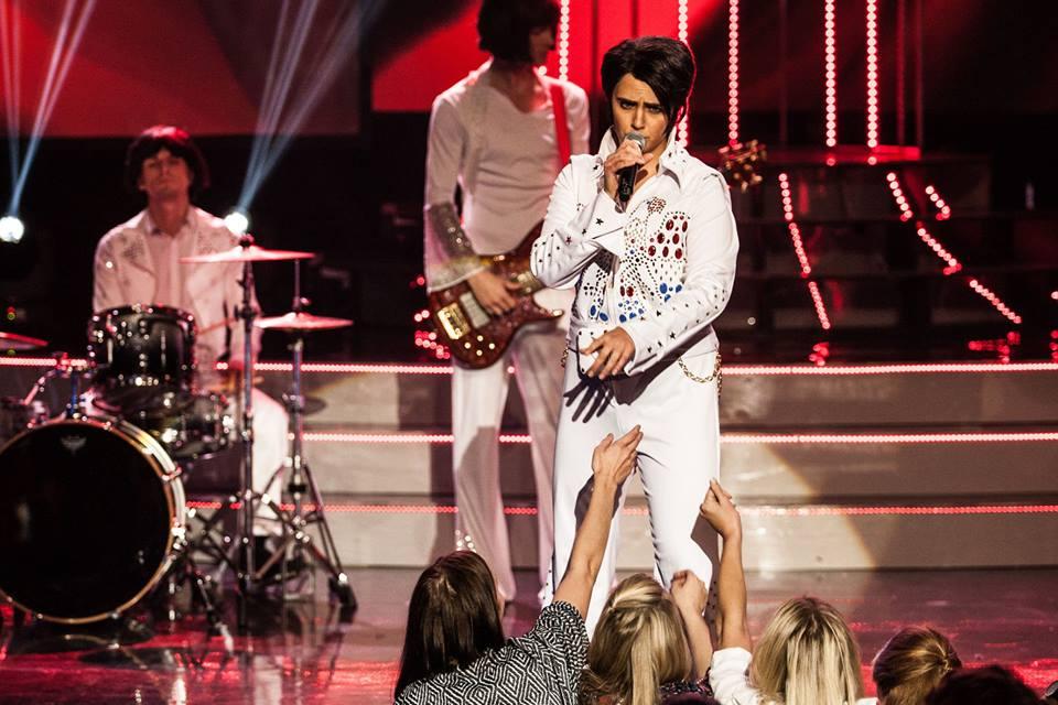 """PIRET IKKA ÜLLATAB! Piret Krumm vallutas publiku südamed Elvise looga """"Love Me Tender"""""""