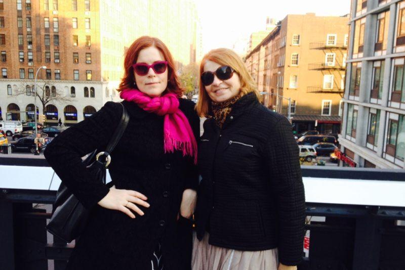 VAHVA VIDEO! Sirje Eesmaa ja Annely Adermann sattusid New Yorgi kultuuri uudistades praemunade näitusele