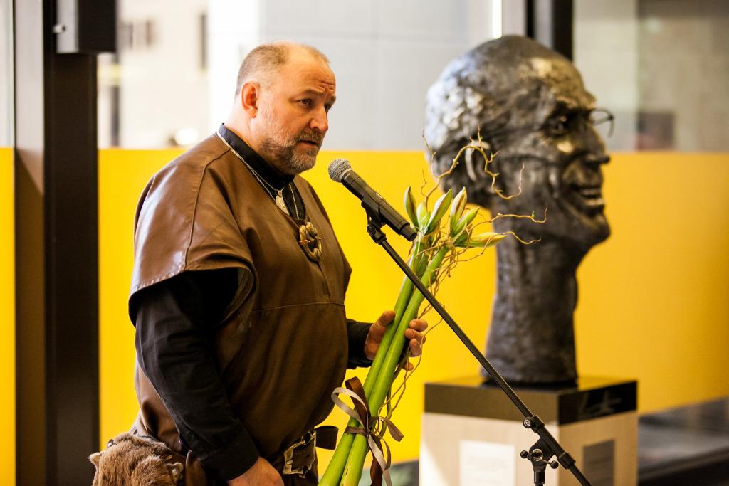 LENNART MERI 87! Tauno Kangro rõhutas skulptuuris president Meri erilisust