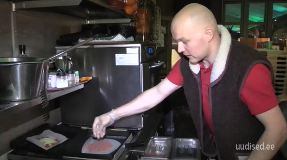 VAATA VIDEOT! Ettevõtlik eestlane Raido avas Lapimaal oma baari: siin on kõik väga positiivne!