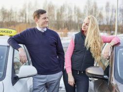 Urmas-Kuldnokk-ja-Paula-Jan-Uuspõld-ja-Elina-Purde-Takso-2-foto-Martin-Dremljuga-2.jpg