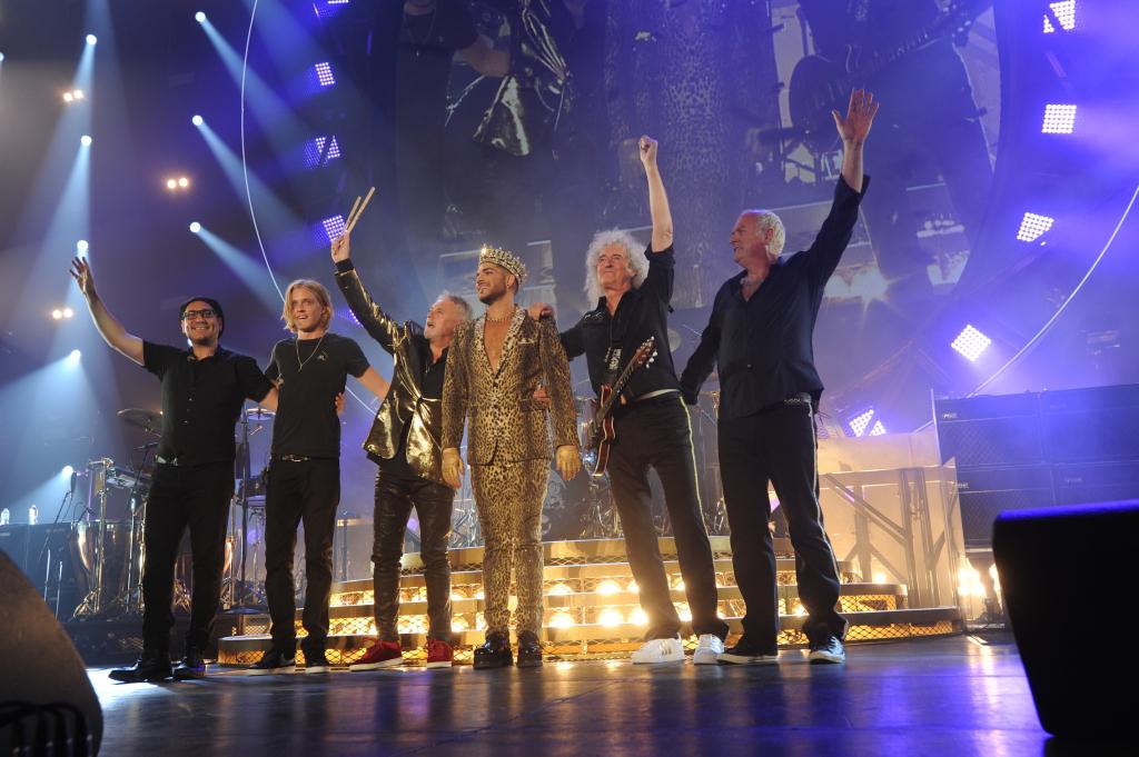 """Adam Lambert kontserttuurist Queeniga: """"See tundub siiani uskumatu!"""""""