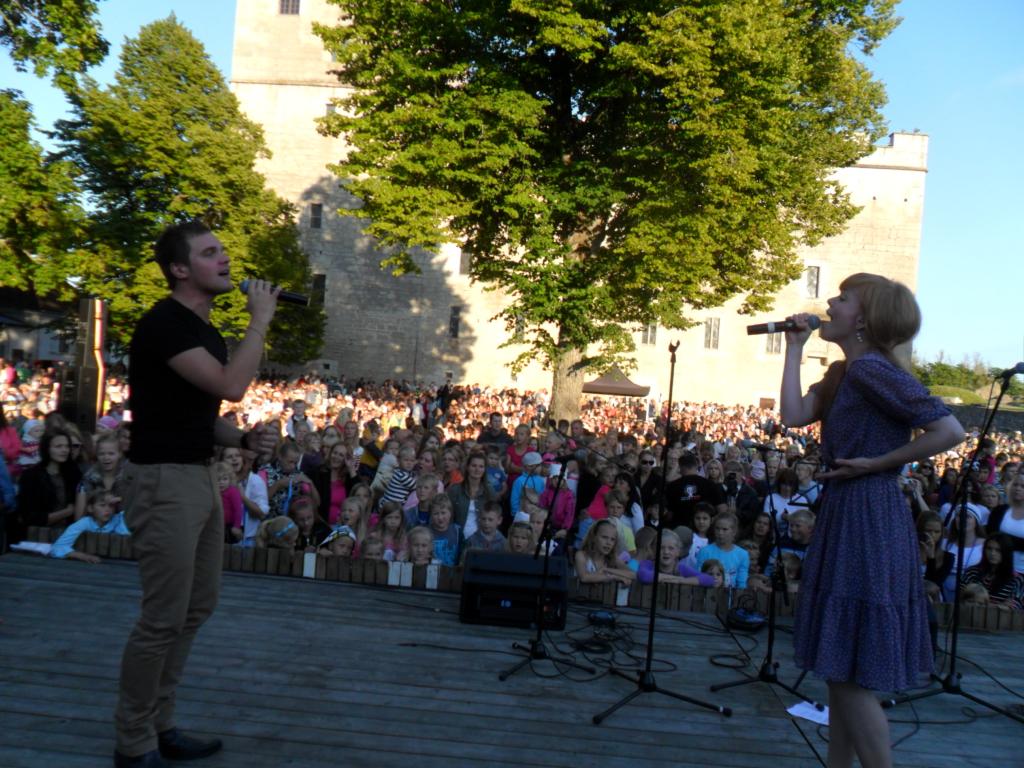 ISAMAALISELE LAULUPEOLE! Vaba Rahva Laul kutsub eestlased isamaalisele laulupeole Lauluväljakule