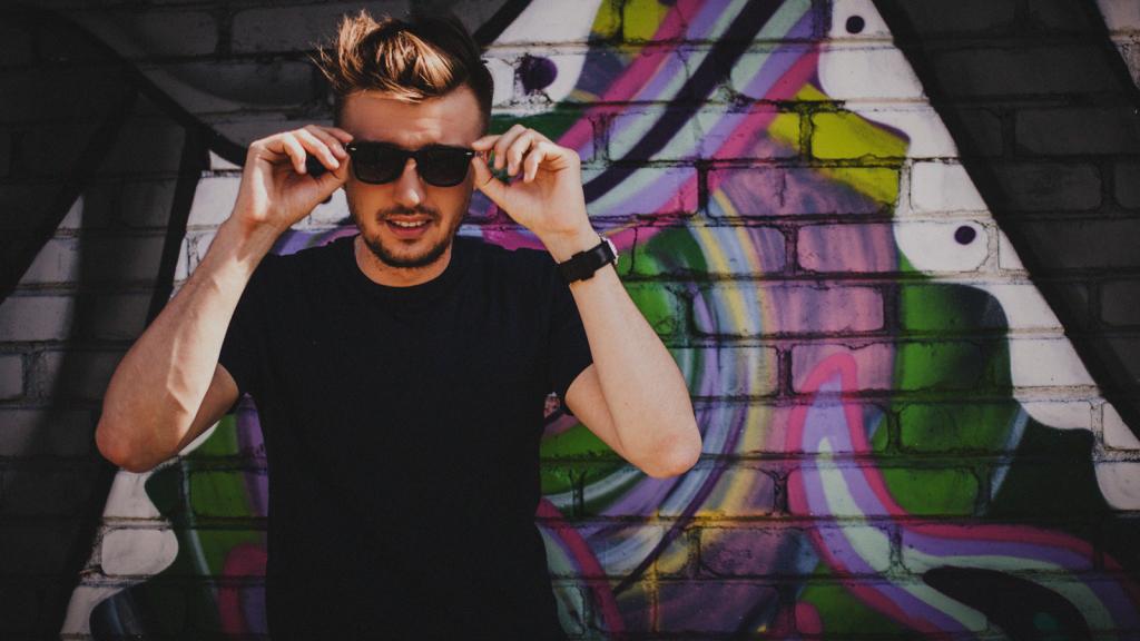 UUS! Artjom Savitski uus singel räägib eksklusiivsest unistuse täitumisest