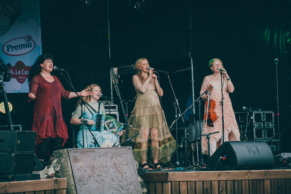FOLK! Eile alanud XXIV Viljandi pärimusmuusika festival sai hoogsa alguse