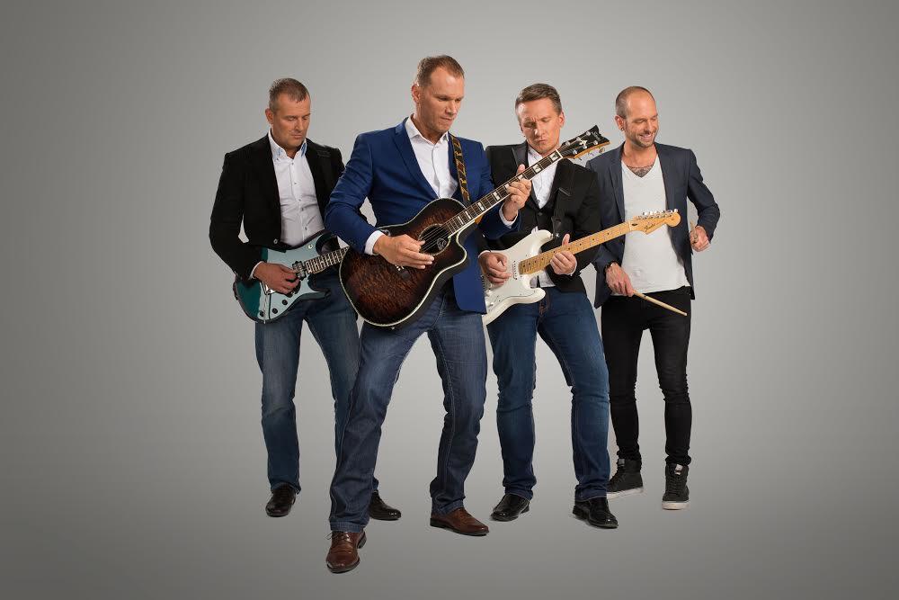 VAATA VIDEOT! Olavi Otepalu ja Indrek Luukase bänd paneb suurlinna tuled muusikasse