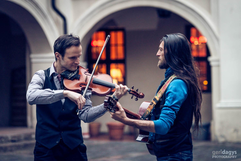 BRIDGING THE WORLDS! Hiilgavad muusikud ühendavad Tallinnas erinevaid maailmu