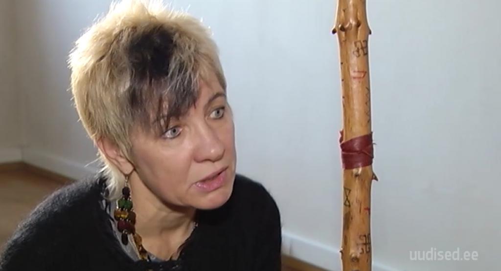 Sensitiiv, nõid ja Eesti esimene naisohvitser! Saage tuttavaks Eesti parima nõia Anu Pahkaga
