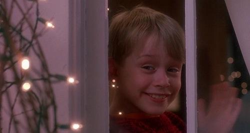 Jõuluhooaeg algab siis, kui Kevin on üksinda kodus