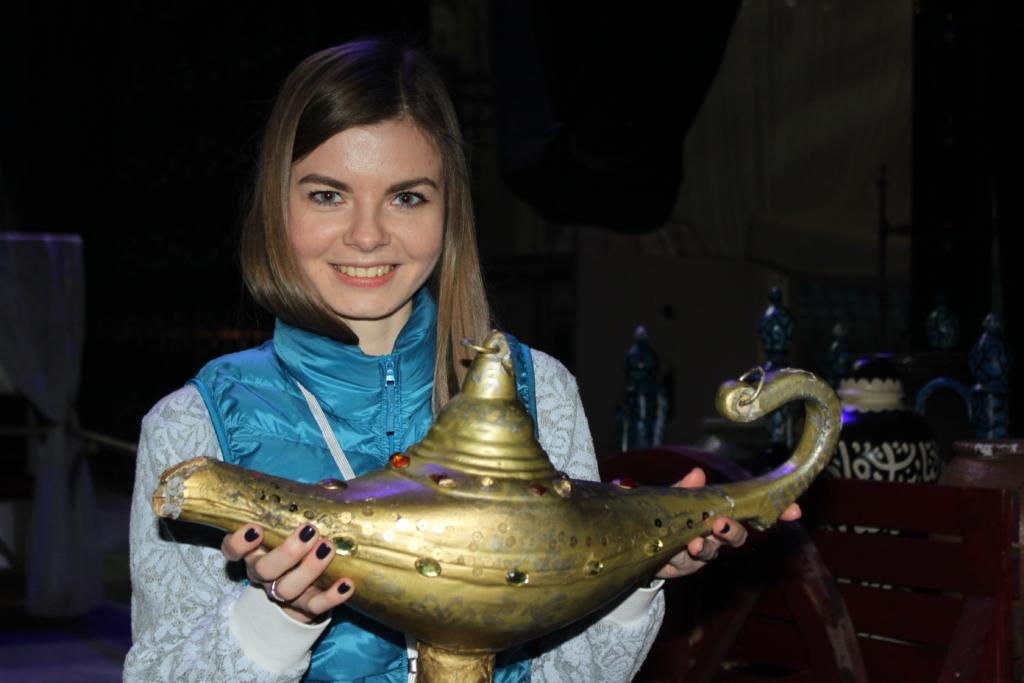 """""""Aladdin ja Tulevalitseja"""" produtsent Alla Gazizova: Eestisse tuli kaheksa koormat dekoratsioonide, valgus- ja helitehnikaga, ekraanide ja kostüümidega"""
