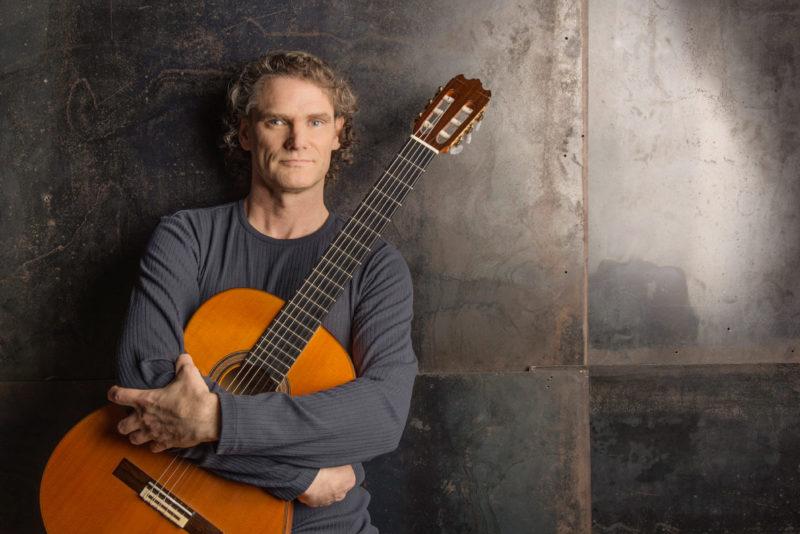 Lisatud TOP 10 lugu! Tallinnasse tuleb maailma parim flamenkokitarrist Jesse Cook