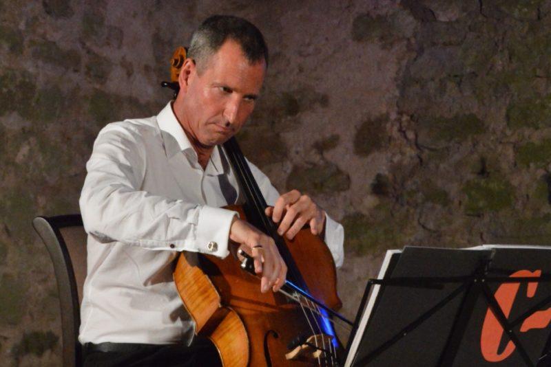 Pärt Tarvas: Tommy Emmanuel on meeletu loomulik talent, kes on sündinud kitarr käes ja kelle elu on lava